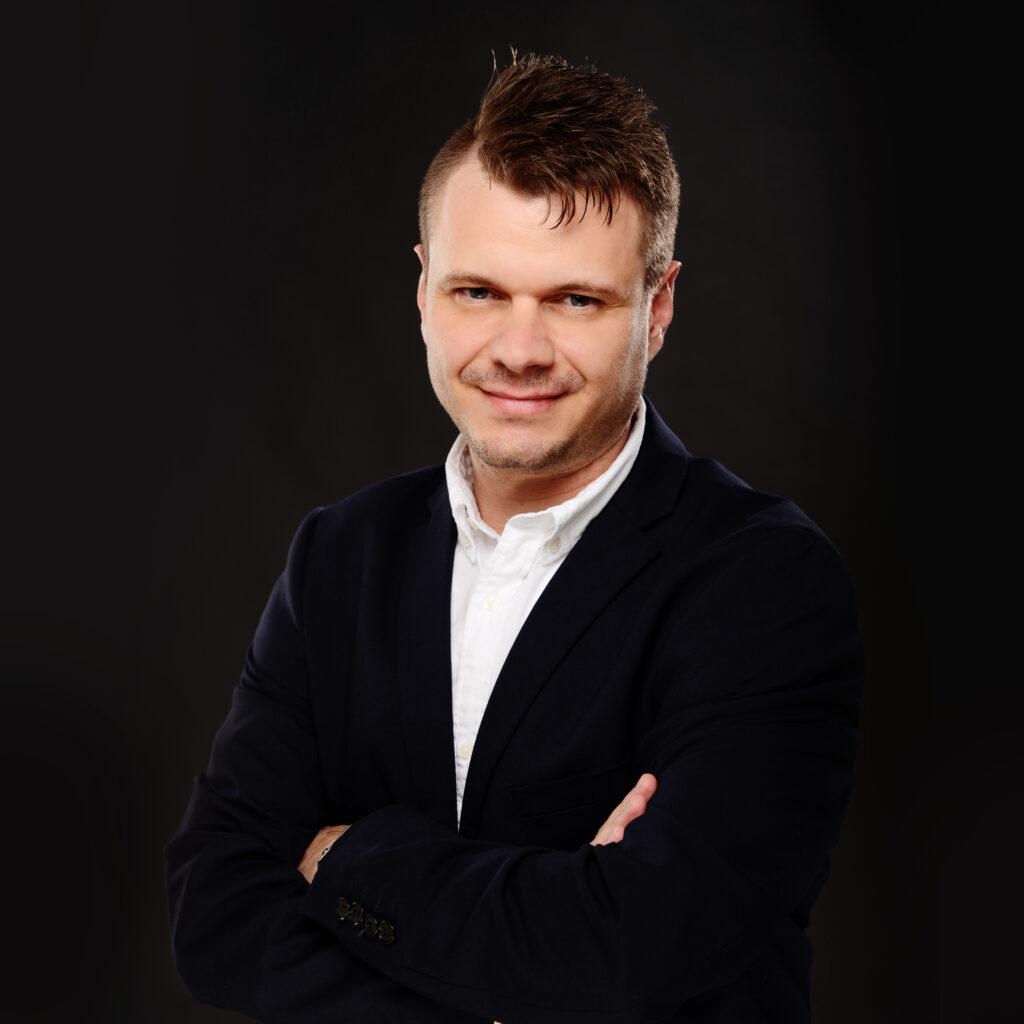 Kevin Becker Ansprechpartner bei Haenjes Dialog-Marketing für Verlage